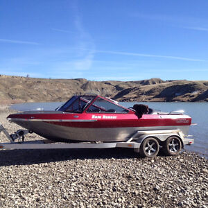 2011 Extremely Low Hours 410HP LS3 River Boat Loaded