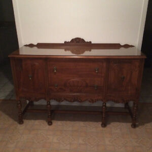 Buffet et table antique