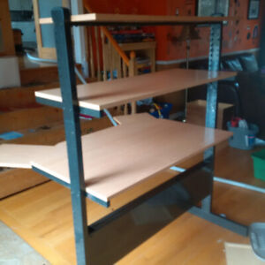 Solid heavy duty 3 tiered computer table/desk