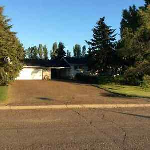 Beautiful home in Coronach!!