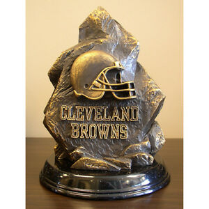 NFL CLEVELAND BROWNS LIMITED EDITION STATUE