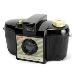 VINTAGE 1950'S Kodak Brownie 127 Compact Film Camera