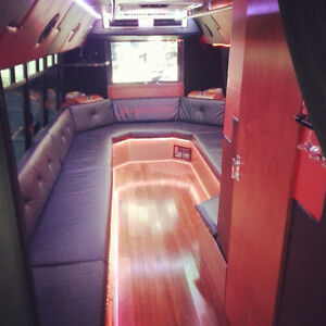 Limousine Limo And Party Bus services 2898882399 Cambridge Kitchener Area image 1
