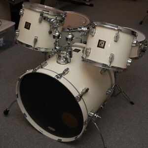 Sonor Force 3003 Drum Set