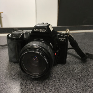 MINOLTA MAXXUM 3xi (As is + Needs Battery)