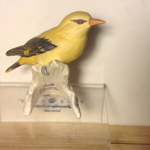 Porcelain Goebel Yellow Golden Oriole Loriot Bird Figurine Vancouver Greater Vancouver Area image 5