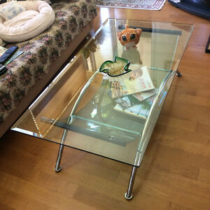 Table basse en verre / Glass coffee table