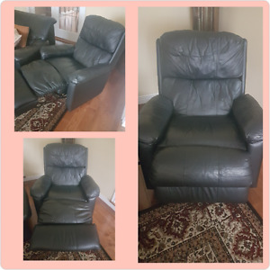 Amazing and comfy black leather recliner!