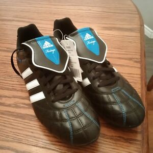 Soccer Cleats - never woren!