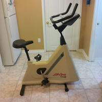 Lifecycle 5500 HR self powered upright exercise bike