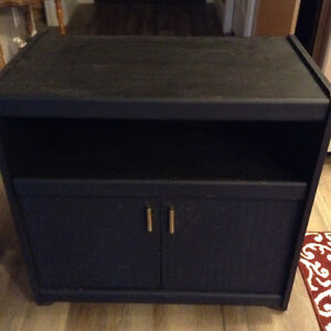 Computer table free to pick up