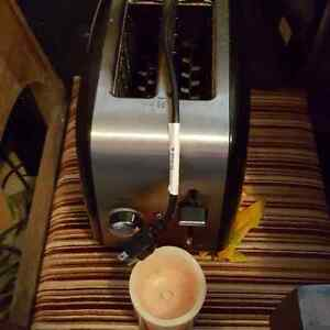 Slow cooker with timer and toaster St. John's Newfoundland image 4