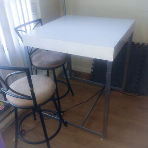 Tall table and 2 stools