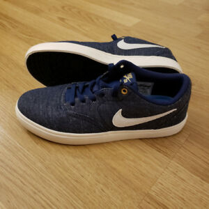 Nike SB Check Solarsoft Canvas Sneakers 8us shoes