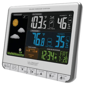 La Crosse 308-1412S Color LCD Wireless Weather Station charging