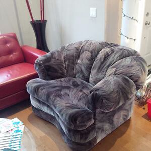 Couch and Chair Great Condition ! Cambridge Kitchener Area image 2
