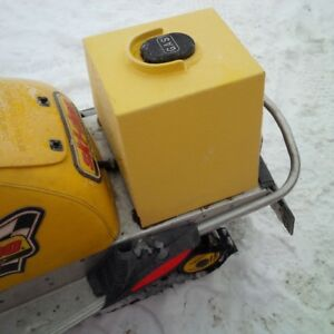 Extra Gas tank for snowmobile