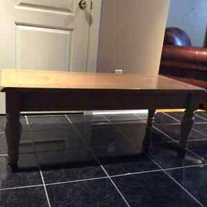 Blonde wood coffee table-Georgetown-excellent condition
