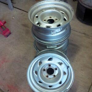 "5 bolt 15"" Chevy / GMC rims"