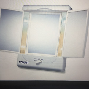 *NEW* ConAir Magnified 5 Setting Lighted Mirror