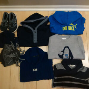 MUST SEE! A VOIR! Boy 5yr impeccable items/ Garcon 5 ans & toys