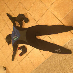 Women's ripcurl wetsuit, gloves and booties