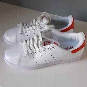 New Woman's Sz 5.5 Adidas Stan Smith Shoes