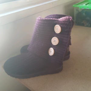 Classic cardy ugg size 6