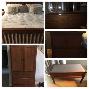 Mission-Style Oak Bedroom Set