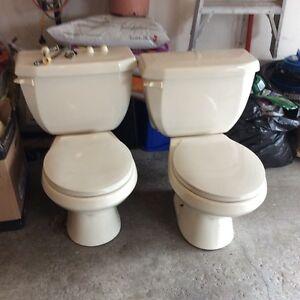 FS: Toilets Bone coloured