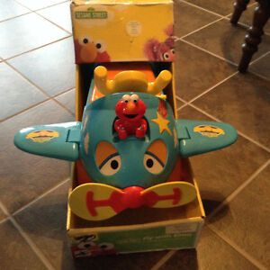 Sesame Street Fly with Elmo Ride-On