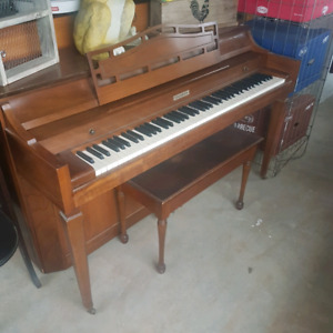 Lovely baldwin apartment sized piano