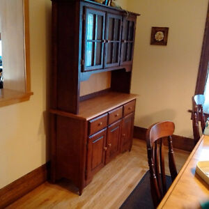Canadel Solid Maple Hutch