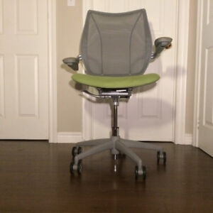 Liberty Chair by Humanscale - Pre owned