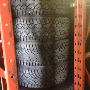 General Altimax Arctic Winter Tire 215/60R15