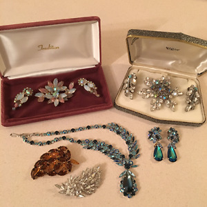 BUYING VINTAGE COSTUME JEWELRY.. BROOCHES.. EARRINGS..ETC.