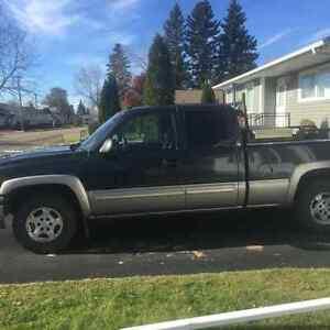 2003 Chevrolet 4X4 C/K Pickup 1500 LS Pickup Truck