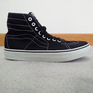 VANS Black High top Shoes– Like New -- Size 7.5 M / 9 F