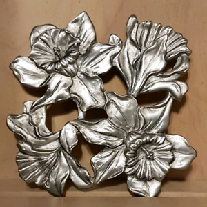 Seagull Pewter Trivet with Daffodil Design, 1990