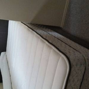 Queen size matress for sale