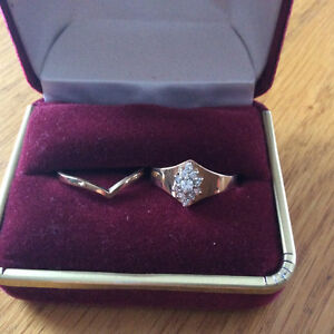 14k yellow gold ring set 1ct total diamonds size 7