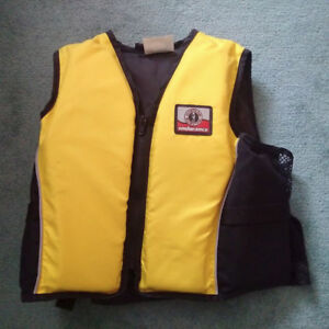 Mustang Youth Survival Vest