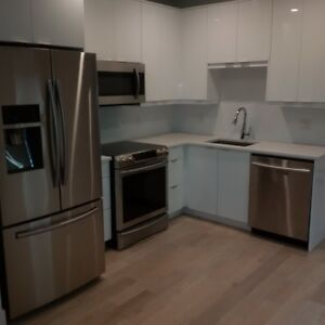 COMPLETELY RENOVATED AND MODERN HYDROSTONE UNIT FOR RENT