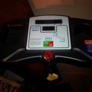 Foldable, Electric Treadmill In Good Condition Kitchener / Waterloo Kitchener Area image 7