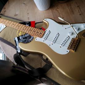 2004 Fender 50th Anniversary Classic 50's Stratocaster in Aztec Gold w