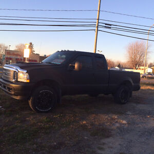 2004 Ford F-250 fx4 Camionnette