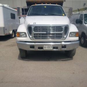 2002 Ford F750 Dump Truck