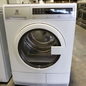 BLOWOUT SALES ON DRYER ELECTROLUX MOD EFDC210TIW WITH WARRANTY!