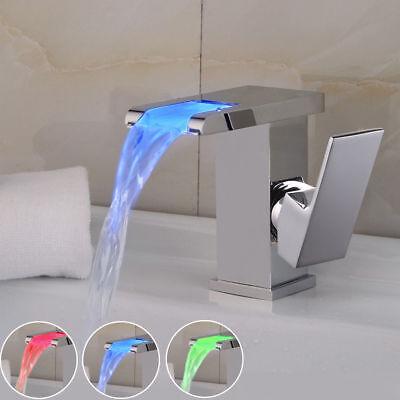 Rubinetti cascata led rubinetteria contemporanea per bagni di design shopgogo - Cambiare rubinetto bagno ...