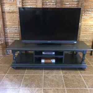 Coffee table, TV table, Hall bench Windsor Region Ontario image 2
